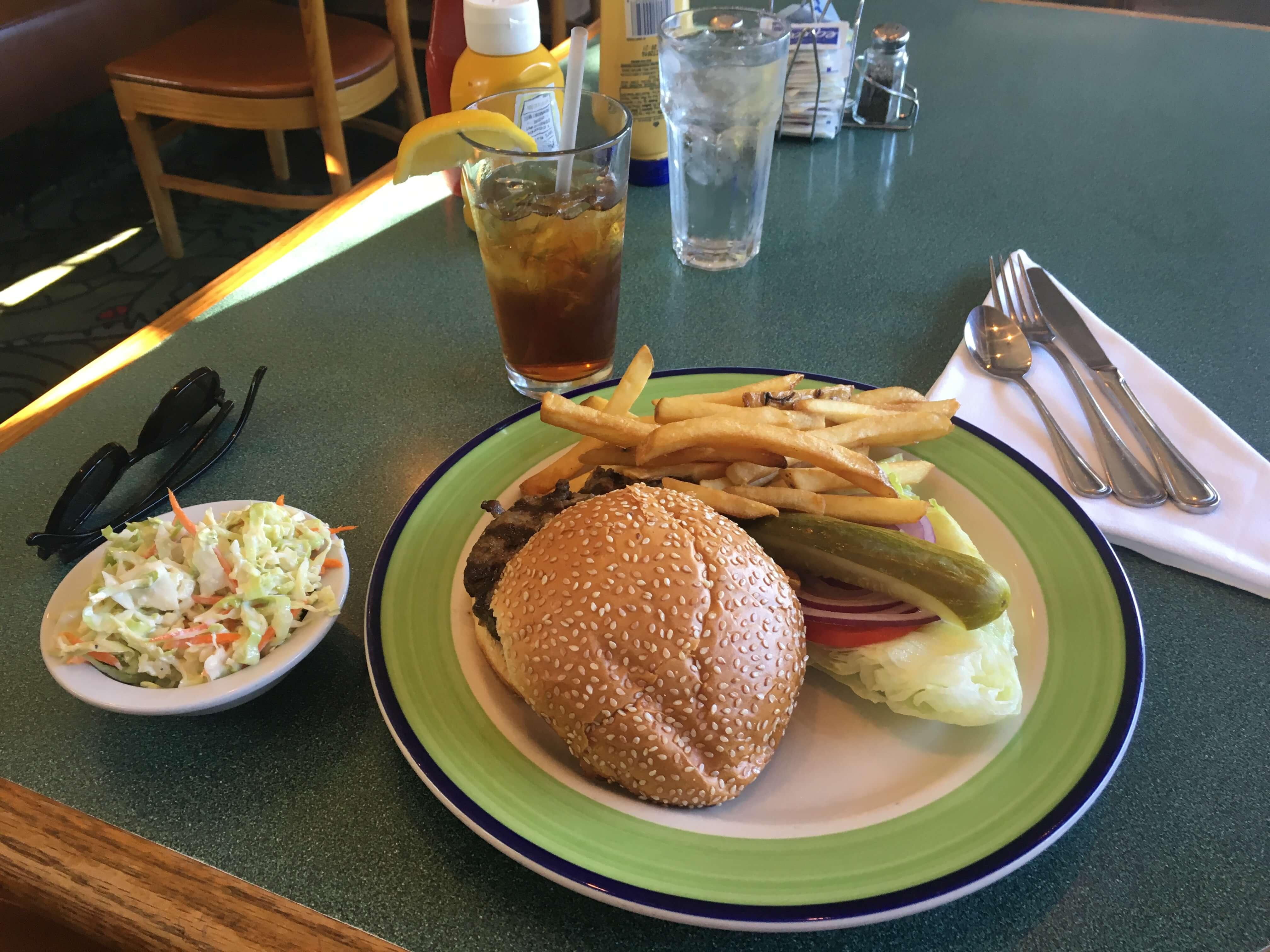 buck-s-of-woodside-silikon-vadisi-restoran-5